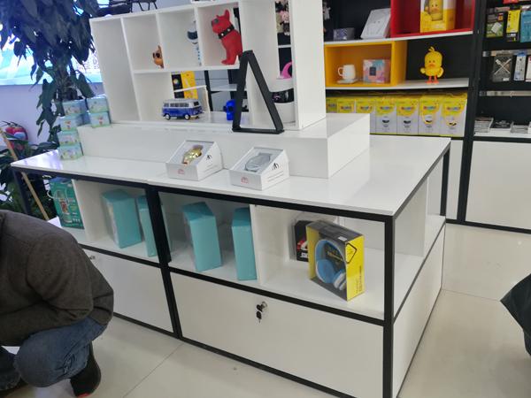 兰州展柜,定制玻璃展柜